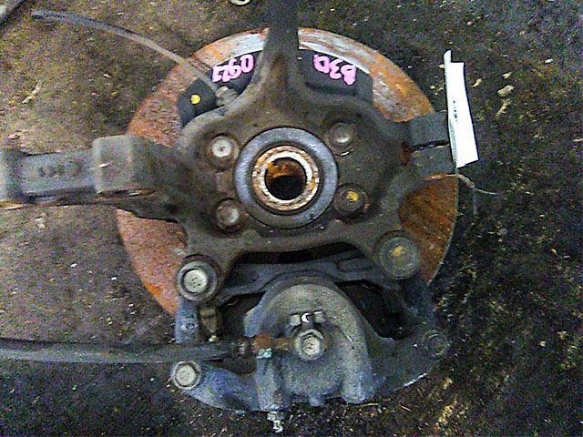 Кулак поворотный правый в сборе со ступицей, диск, суппорт, 2WD  40014EN000_BU