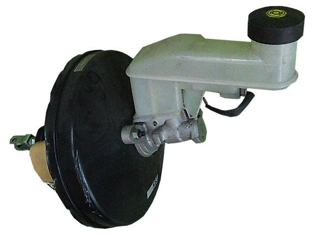 Цилиндр тормозной главный в сборе с вакуумным усилителем, 2 болта (Б/У) для TOYOTA YARIS / VITZ / BELTA P90 2006-2011