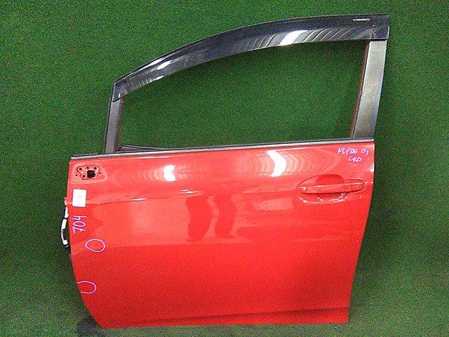 Дверь передняя левая красная в сборе (Б/У) для TOYOTA RACTIS P120 2010-2014