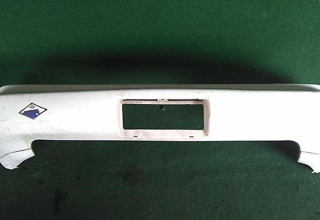 Бампер задний белый с губой и клыками (Б/У) для TOYOTA MR2 W20 1989-2000