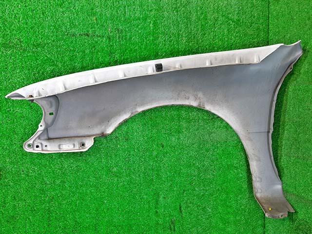 Крыло переднее правое белое (Б/У) для TOYOTA COROLLA E110 1995-2000