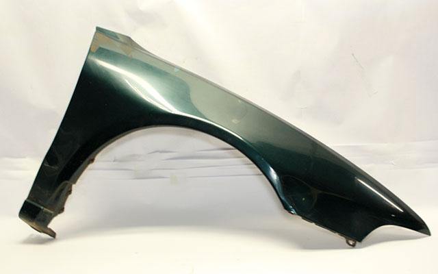 Крыло переднее правое зеленое (дефект) ржавчина вмятина (Б/У) для MITSUBISHI GALANT