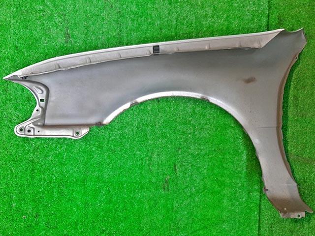 Крыло переднее правое серебро (Б/У) для TOYOTA SPRINTER E110 1995-2000