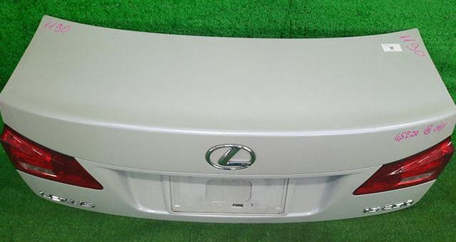 Крышка багажника белая в сборе с фонарями, камерой (Б/У) для LEXUS IS II 250/350 XE20 2005-2013