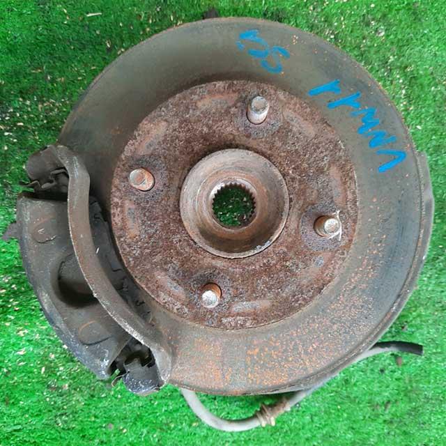 Кулак поворотный правый в сборе со ступицей, суппорт 2WD (Б/У) для NISSAN EXPERT