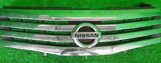 Решетка радиатора хромированная (Б/У) для NISSAN SERENA III C25 2007-2010