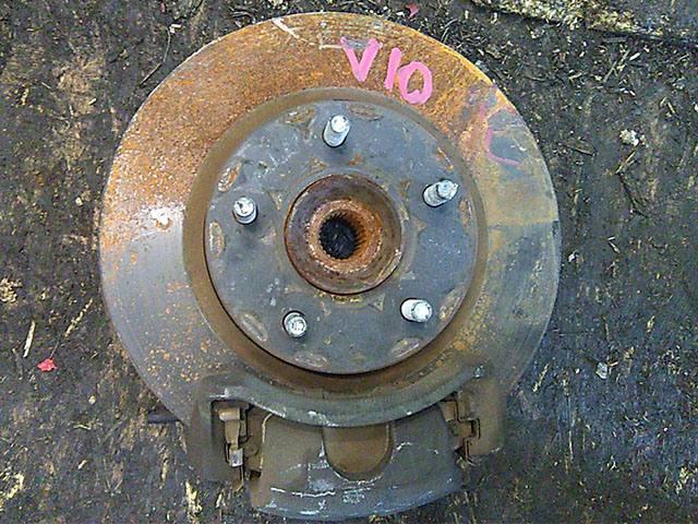 Кулак поворотный левый в сборе со ступицей, диск, суппорт, 2WD (Б/У) для NISSAN ALMERA TINO V10 1998-2006