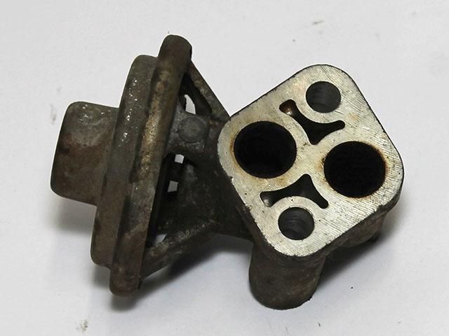 Клапан рециркуляции выхлопных газов EGR  MD304625_BU