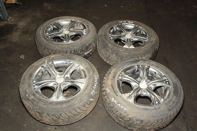 Колесо в сборе комплект 4 шт. Goodyear зимняя 195 65 R15 диск литой (Б/У) для MITSUBISHI GALANT