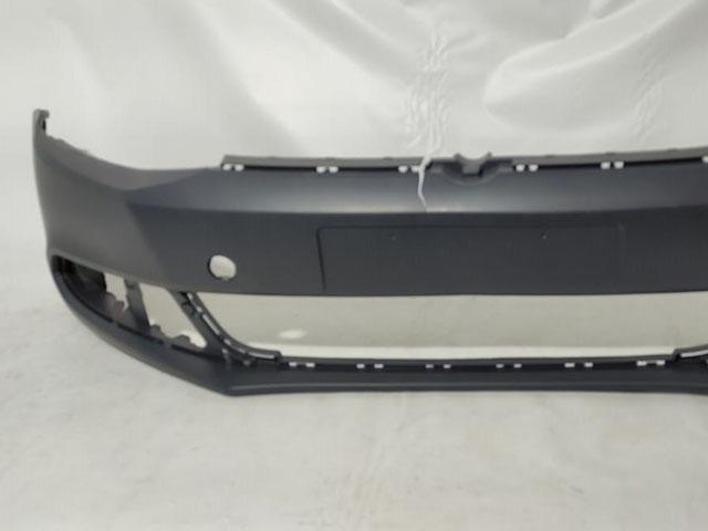Бампер передний без отв. под омыватели фар и парктроник Уценка 30% (трещина) (уценка) для VOLKSWAGEN JETTA VI 162 / 163 / AV2 / AV3 2010-2015
