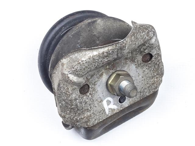 Опора двигателя (подушка) левая=правая 2WD АКПП  1236070031_BU