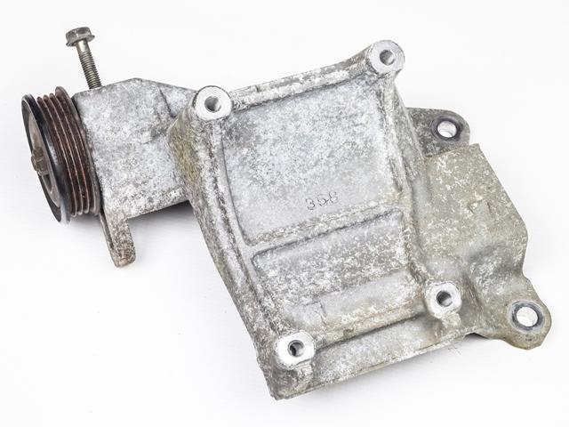 Кронштейн компрессора кондиционера 2WD АКПП  8843122350_BU