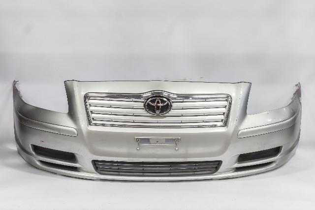 Бампер передний серебро в сборе с решеткой радиатора и нижними решетками (лом крепление) (Б/У) для TOYOTA AVENSIS T250 2003-2008