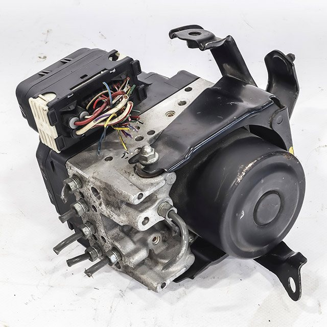 Блок ABS 2WD (Б/У) для LEXUS GS III 300/400/430 S190 2005-2011