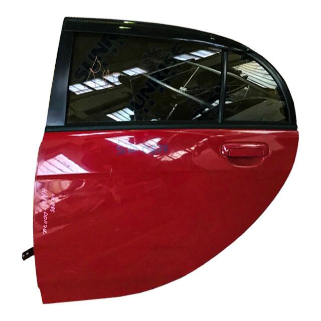 Дверь задняя левая красная в сборе с петлами (вмятина, царапина) (Б/У) для MITSUBISHI I HA1W