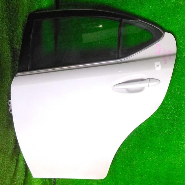 Дверь задняя левая серебро в сборе (скол на ручке) (Б/У) для LEXUS IS II 250/350 XE20 2005-2013