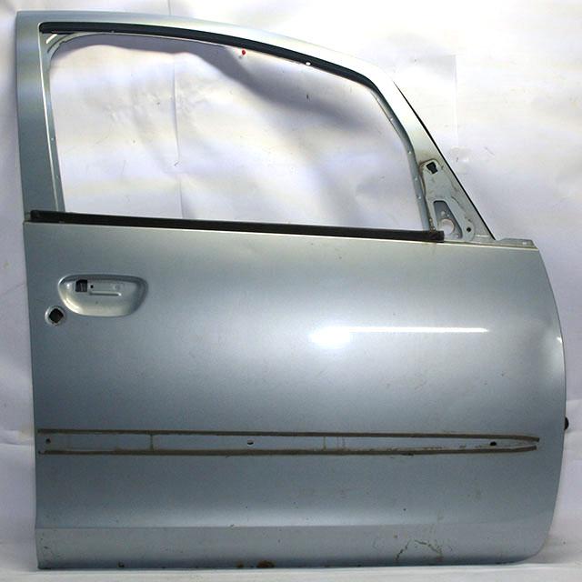 Дверь передняя правая светло-голубая (дефект) вмятина (Б/У) для MITSUBISHI COLT VI Z30 2003-2007