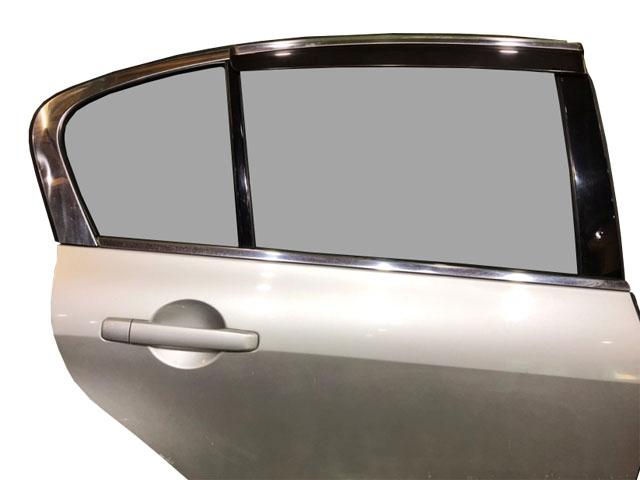 Дверь задняя правая серебро в сборе (сколы) (Б/У) для NISSAN SKYLINE V36 2006-2009