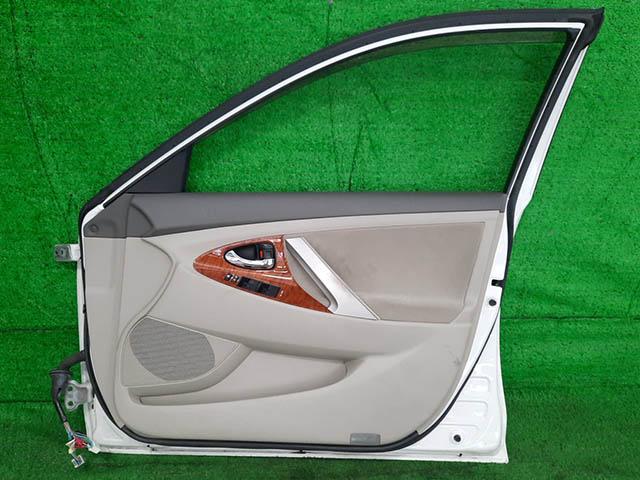 Дверь передняя правая белая в сборе (дефект лкп) (Б/У) для TOYOTA CAMRY XV40 2006-2011