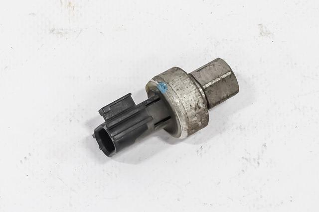 Датчик давления кондиционера  MR306627_BU