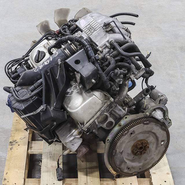 Двигатель (мотор) RB20E 026704B, со стартером, генератором, ГУР-ом и ГТД 1993 г. 71000 км. 2WD АКПП в сборе (Б/У) для NISSAN LAUREL VII C34 1993-1997