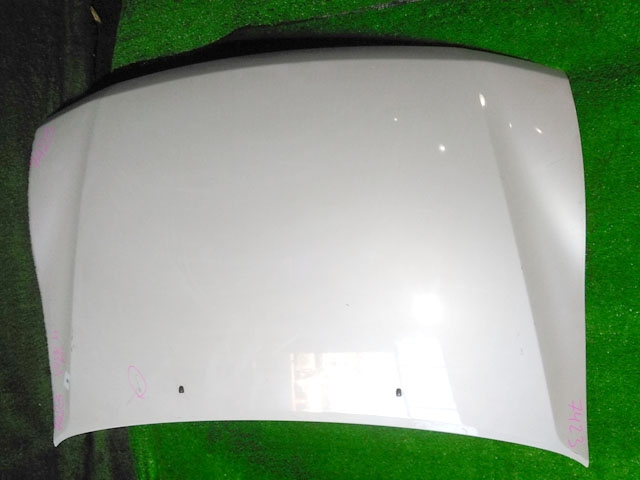Капот белый в сборе с шумоизоляцией (Б/У) для MITSUBISHI PAJERO / MONTERO III
