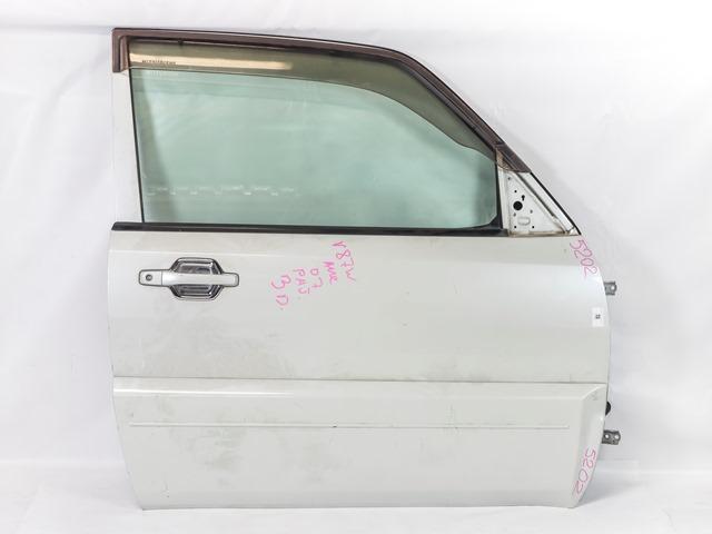 Дверь передняя правая белая в сборе (подмята) (Б/У) для MITSUBISHI PAJERO / MONTERO IV