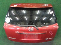 Крышка багажника красная в сборе со стеклом, спойлер, накладка хром, стеклоочиститель, замок TOYOTA COROLLA FIELDER E140 2006-2012