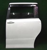 Дверь задняя левая белая в сборе TOYOTA NOAH / VOXY R70 2007-2014
