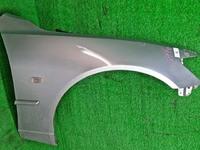 Крыло переднее правое серебро в сборе с молдингом, повторителем LEXUS IS I 200/300 XE10 1998-2005