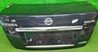 Крышка багажника темно-синяя в сборе с замком, с накладкой хром, камерой (вмятина) NISSAN TEANA J32 2008,2009,2010,2011