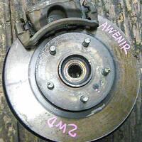 Кулак поворотный правый в сборе со ступицей, диск, суппорт, 2WD NISSAN AVENIR II W11 1998-2005