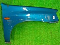 Крыло переднее правое синее с повторителем (сколы) MAZDA TRIBUTE
