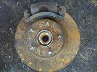 Кулак поворотный левый в сборе со ступицей, диск, суппорт, 2WD NISSAN EXPERT