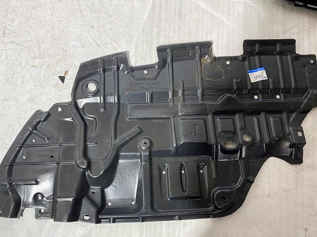 Пыльник моторного отсека левый Уценка 50% (заводской брак оплой) (уценка) для TOYOTA CAMRY XV55 2015-2017