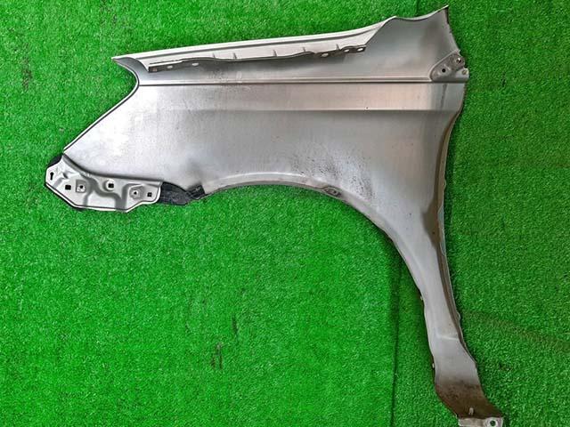 Крыло переднее правое серебро в сборе с кронштейном  5381152150_BU