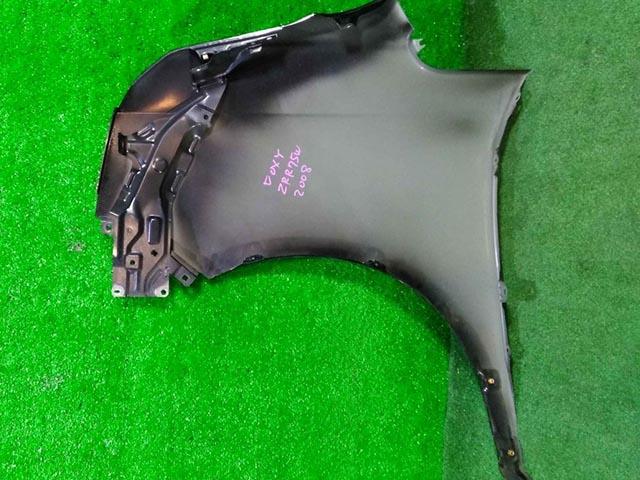 Крыло переднее правое черное (Б/У) для TOYOTA NOAH / VOXY R70 2007-2014