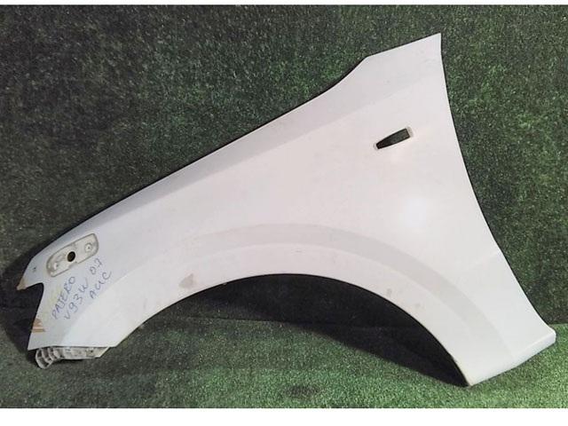 Крыло переднее левое белое с отв. под зеркало (Б/У) для MITSUBISHI PAJERO / MONTERO IV