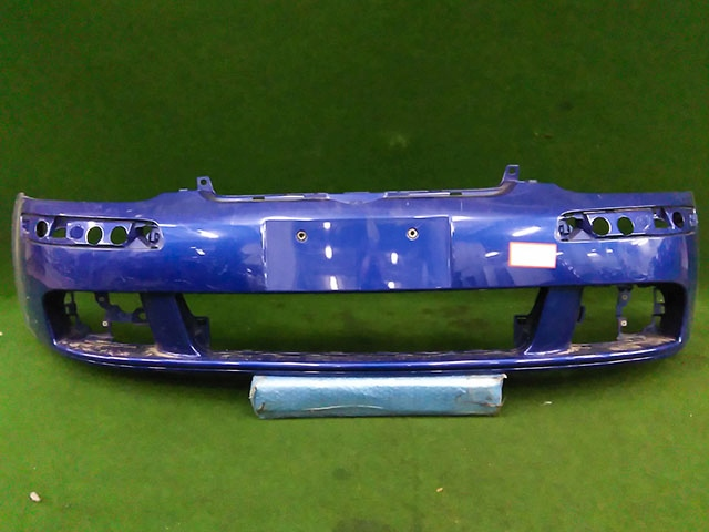 Бампер передний синий (Б/У) для VOLKSWAGEN GOLF V 1K1 / 1K5 2003-2009