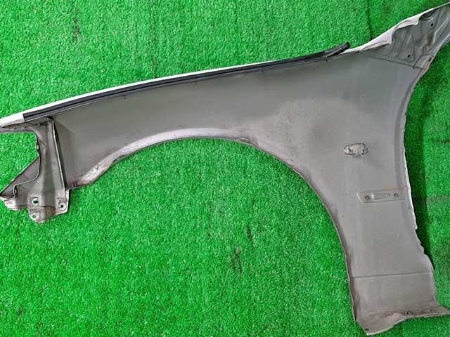 Крыло переднее правое серебро в сборе с молдингом, повторителем  5380153010_2BU