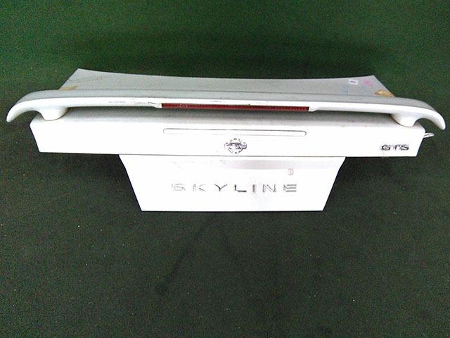Крышка багажника серая в сборе со спойлером, с обшивкой, с замком (Б/У) для NISSAN SKYLINE R33 1993-1998