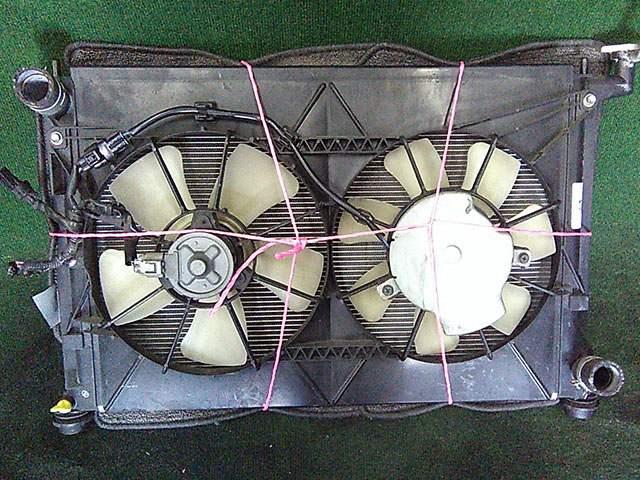 Радиатор охлаждения в сборе с диффузором и моторчиками, АКПП (Б/У) для TOYOTA ISIS XM10 2004-2017