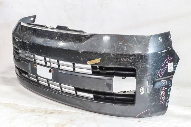 Бампер передний черный (Б/У) для TOYOTA NOAH / VOXY R60 2001-2007