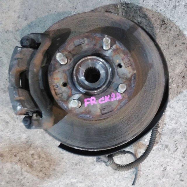 Кулак поворотный правый в сборе со ступицей, диск, суппорт, 2WD (Б/У) для MITSUBISHI LANCER VIII CK 1996-2003