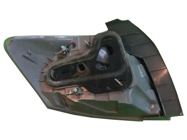 Фонарь задний правый внешний (лом) (Б/У) для TOYOTA BLADE E150 2009-2012