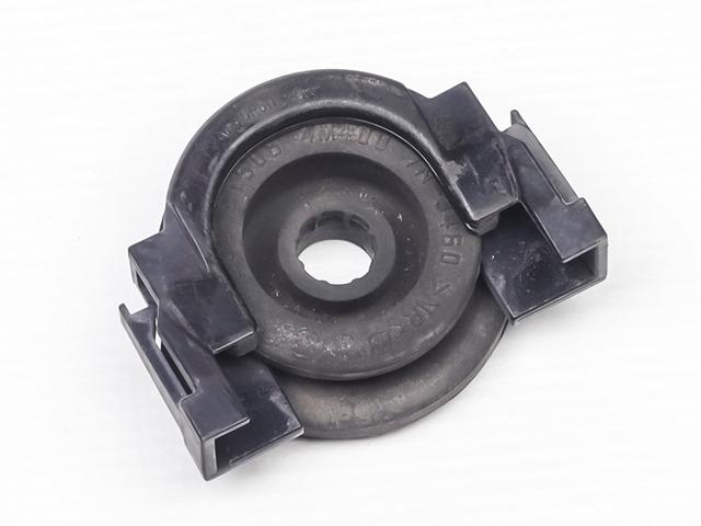 Кронштейн радиатора (фиксатор) верхний в сборе 4WD АКПП (Б/У) для NISSAN TEANA