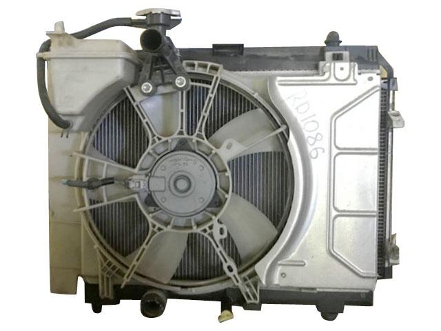 Радиатор охлаждения в сборе с радиатором кондиционера и диффузором (Б/У) для TOYOTA YARIS / VITZ / BELTA P90 2006-2011