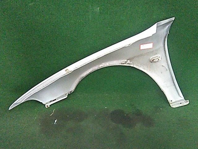 Крыло переднее правое серое с повторителем (Б/У) для MITSUBISHI GALANT