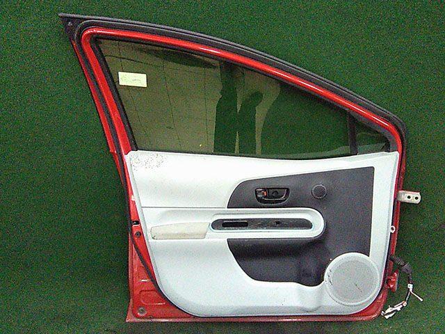 Дверь передняя левая красная в сборе  6700252540_BU