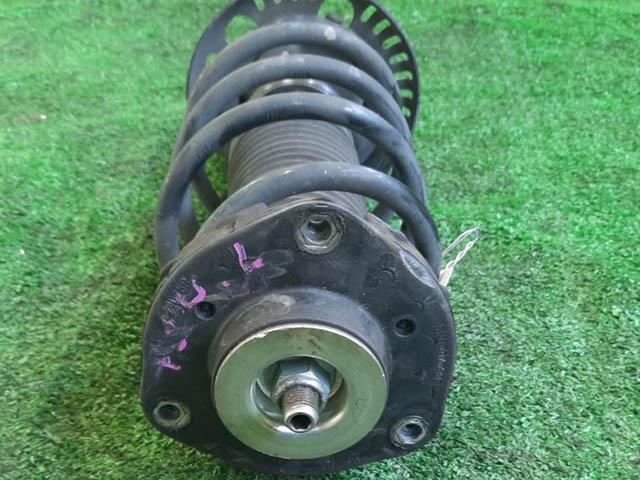 Амортизатор подвески передний левый=правый в сборе 2WD (Б/У) для VOLKSWAGEN POLO IV 9N1 / 9N3 2001-2009